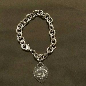 Silver heart tag pendant bracelet